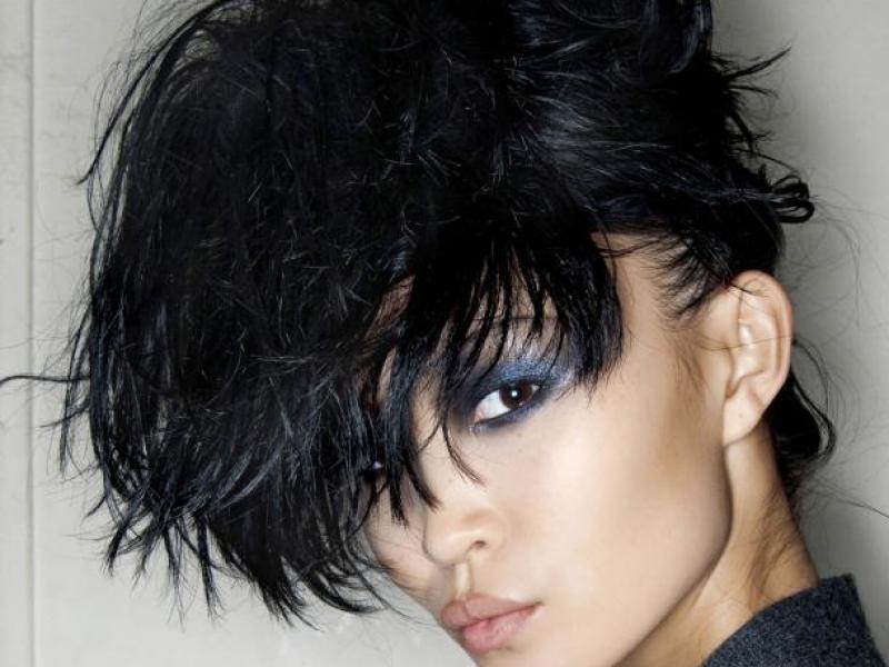 Jak powstrzymać wypadanie włosów