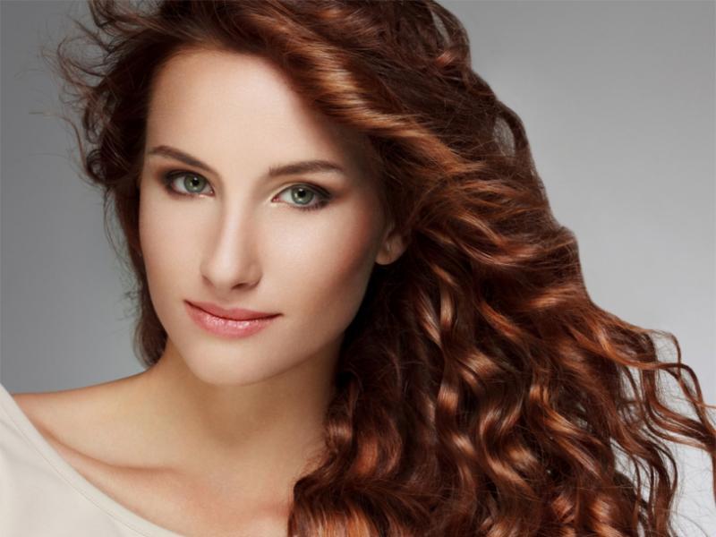 Jak prawidłowo dbać o włosy farbowane?