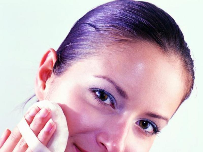 Jak prawidłowo zmywać makijaż