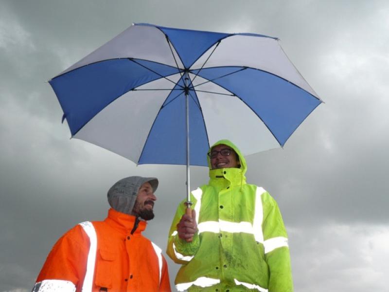 Pod żaglami, gdzie narażeni jesteśmy na różne warunki pogodowe, ubranie żeglarskie ma ogromne znaczenie