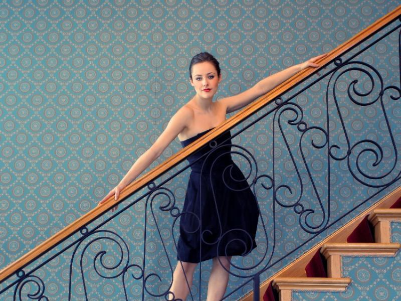 Jak się ubrać na przyjęcie weselne - rady dla niepewnych