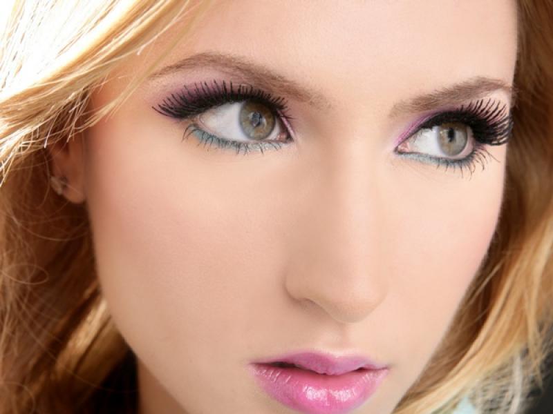 Jak skorygować makijażem krzywą buzię?