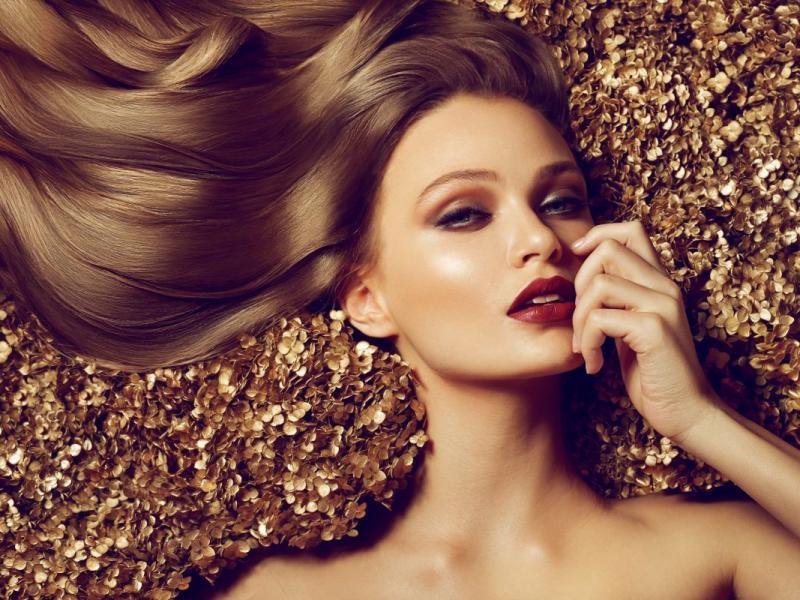 Jak suszyć włosy, żeby były piękne i lśniące?