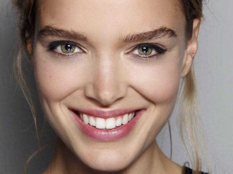 Jak to robią kobiety, że mają piękną skórę pod pachami?