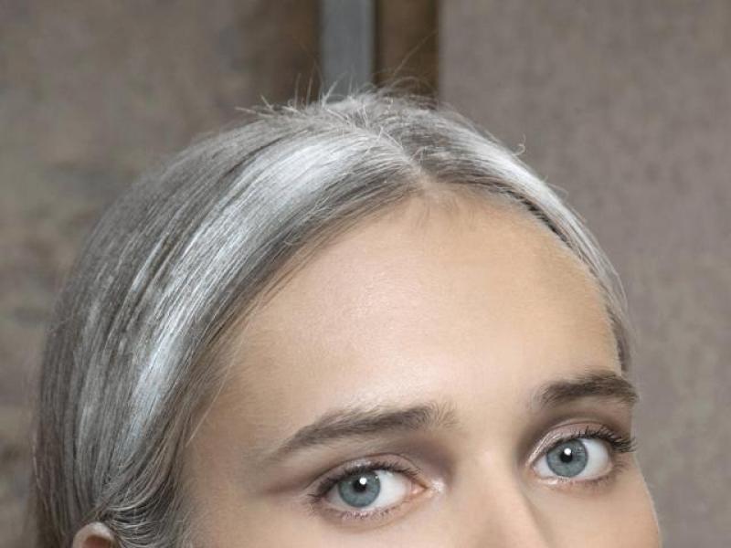 Jak Zamaskować Pierwsze Siwe Włosy Fryzury Polkipl