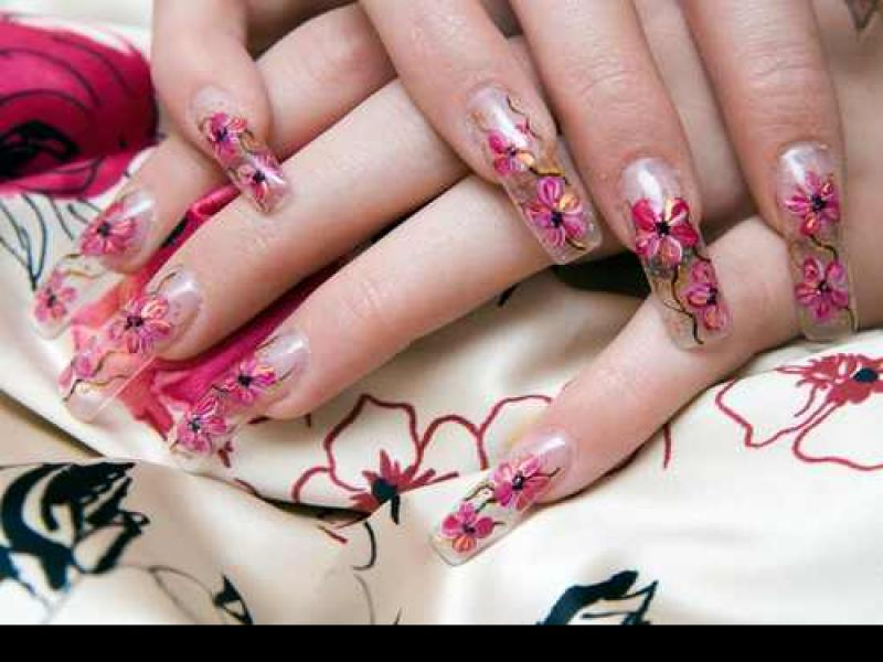 Jak zdjąć tipsy, aby nie zniszczyć paznokcia?