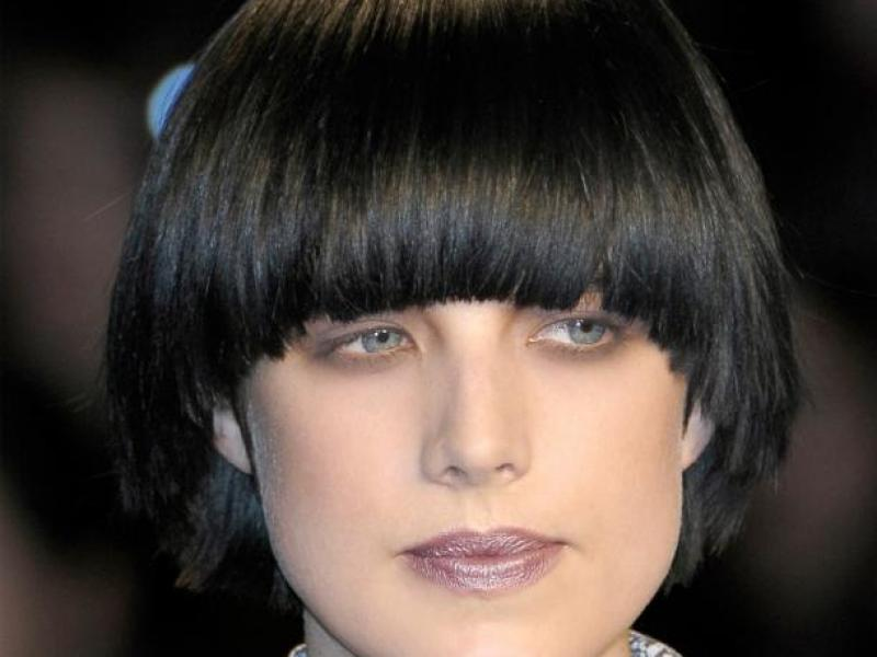Jaka fryzura dla sztywnych włosów