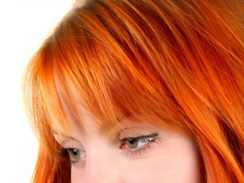 Jaki makijaż dla rudej i piegowatej o jasnej karnacji?