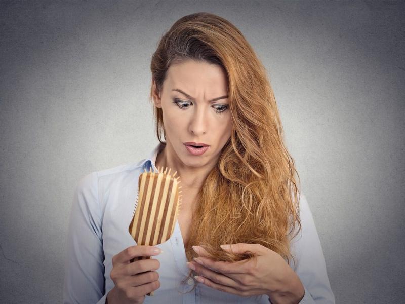 Jakie zioła zapobiegają wypadaniu włosów?