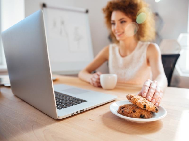 Jedzenie pod wpływem emocji – jak z tym skończyć? Rozważania dietetyka