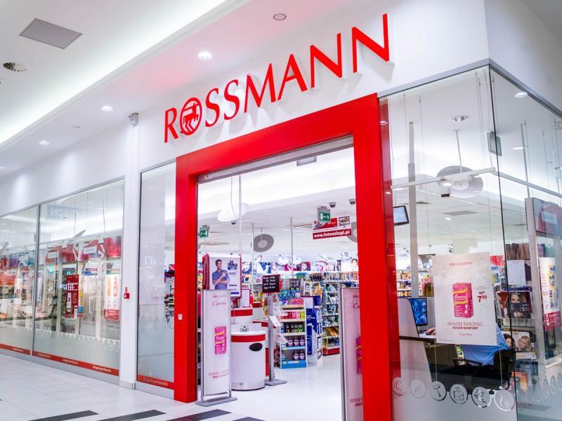 Już niebawem rusza kolejna promocja w Rossmannie. Tym razem -55% na kosmetyki kolorowe!