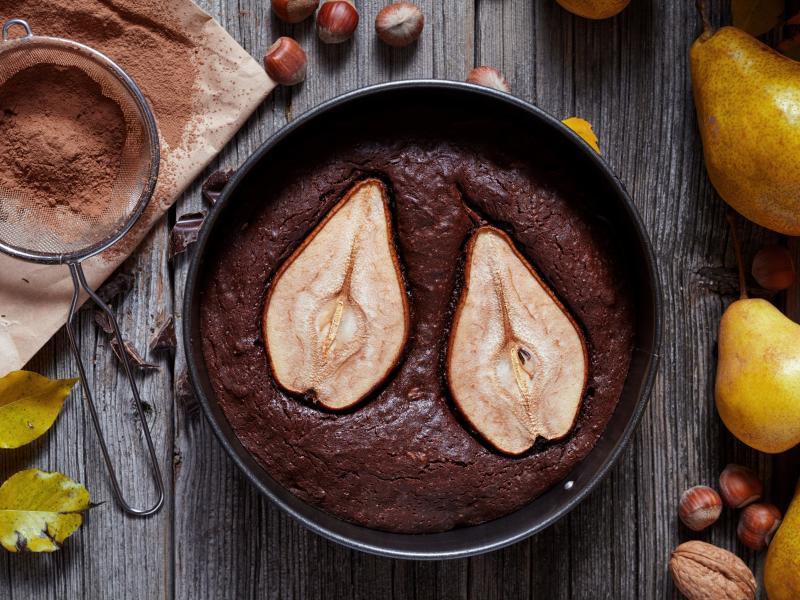 Kakaowy placek z gruszkami