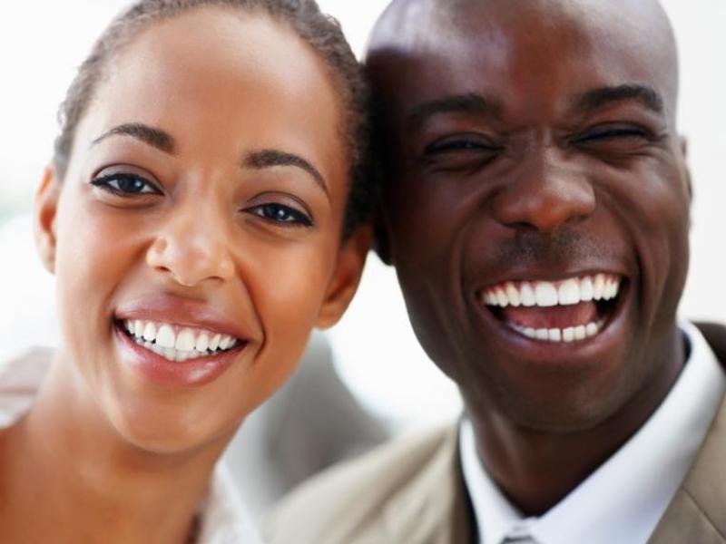 czarny mężczyzna seks z białą kobietą czarna pielucha cipki