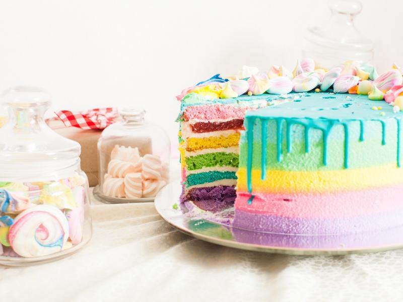Kolorowe ciasto Papuga