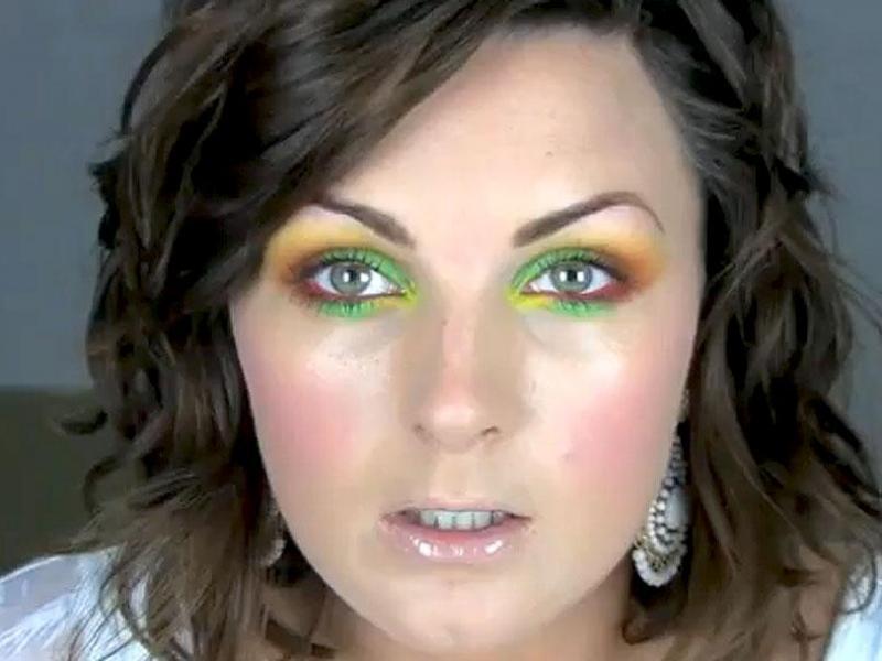 Kolorowy makijaż karnawałowy
