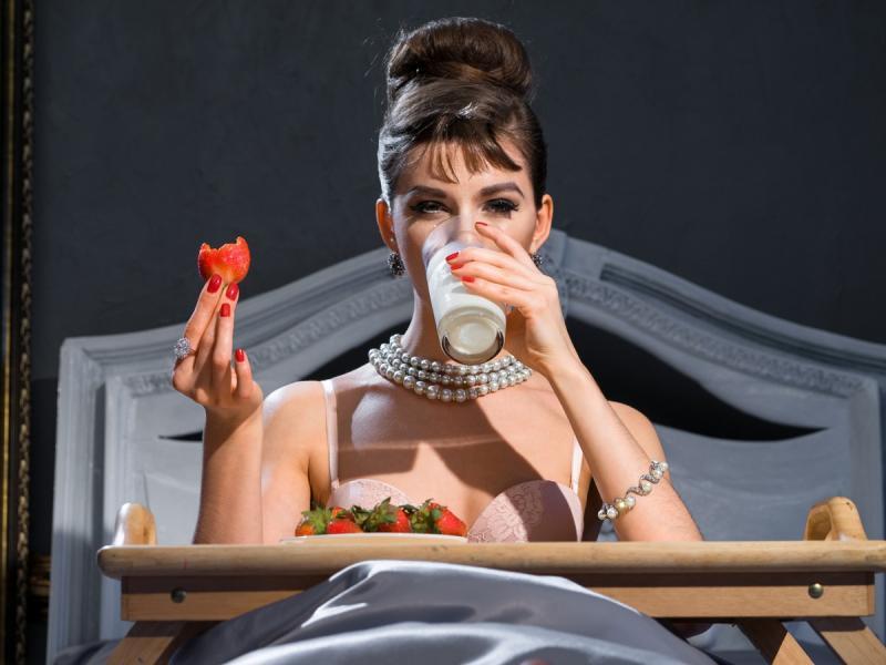 Kontroluj ilość spożywanego jedzenia! 10 sposobów na oszukanie wilczego apetytu