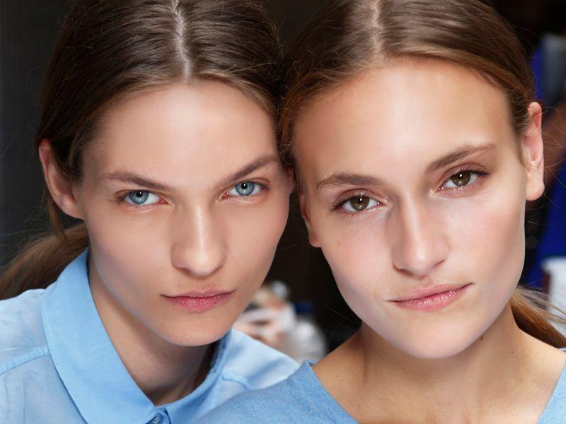 Kosmetyki 2w1 - jakie produkty wybrać?