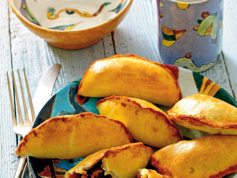 Kruche empanadas z fasolą