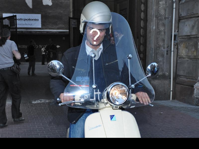 Kto się lansuje na skuterze?