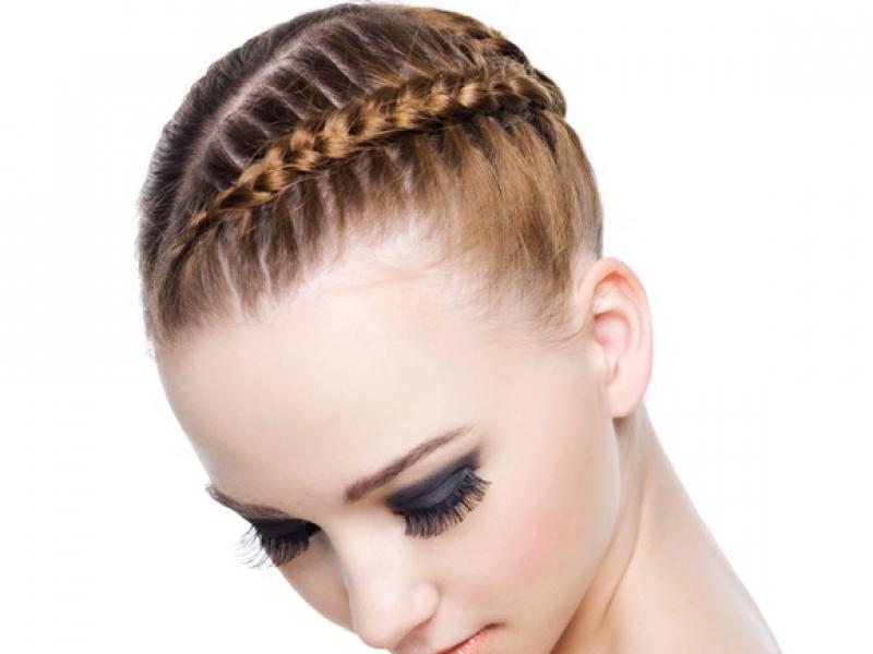 Które fryzury są najmodniejsze w sezonie wiosna/lato 2011?