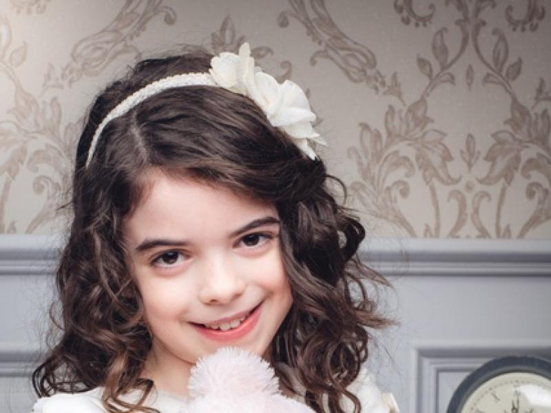 2c325b3bd8 Najpiękniejsze fryzury komunijne dla dziewczynek  21 ZDJĘĆ  - Fryzury -  Polki.pl