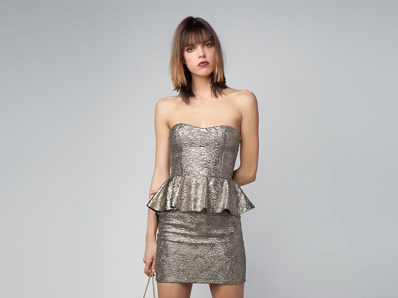 b2c6e9a28d mini z baskinką sukienka Bershka w kolorze srebrnym - sukienka na  studniówkę - Magia błyskotek - wieczorowe sukienki 2013 - Trendy sezonu -  Zdjęcie 4 ...