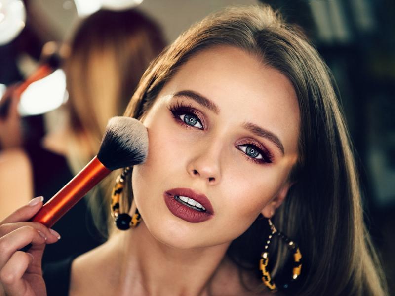 kobieta piękny makijaż
