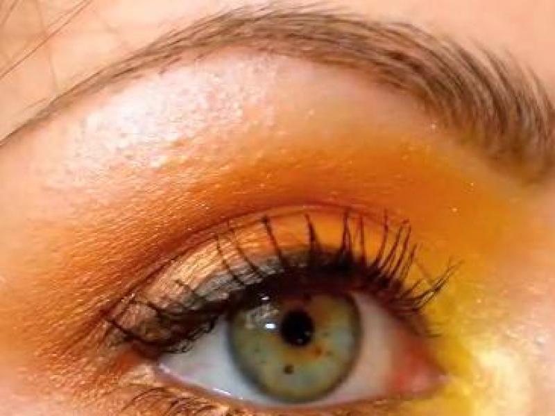Makijaż oczu zainspirowany jesienią