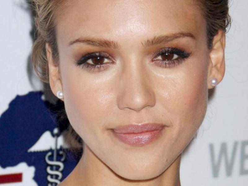 Makijaż w stylu Jessiki Alby