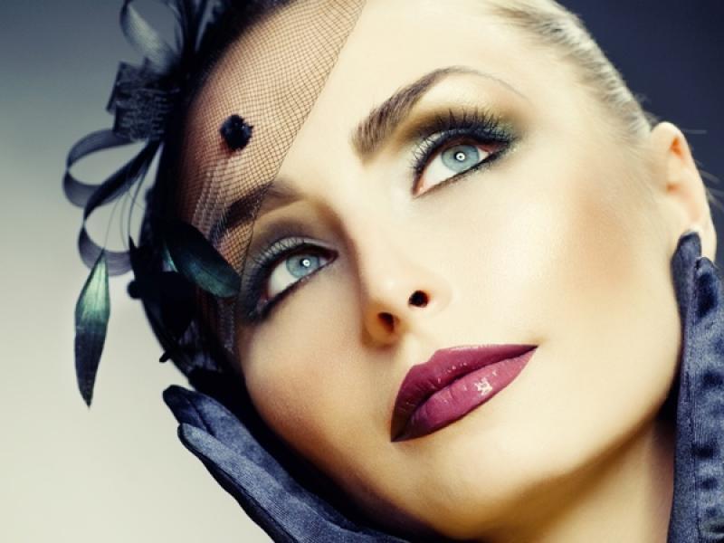 Cera dojrzała wymaga nie tylko troskliwszej pielęgnacji, lecz także sprytniejszego makijażu