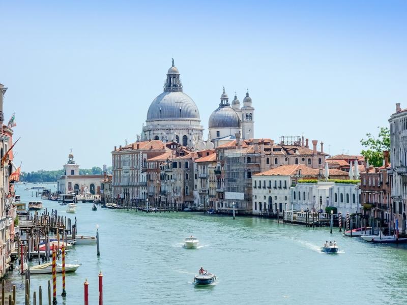 Małe muzeum z wielką sztuką. Dlaczego warto zobaczyć kolekcję Peggy Guggenheim w Wenecji?