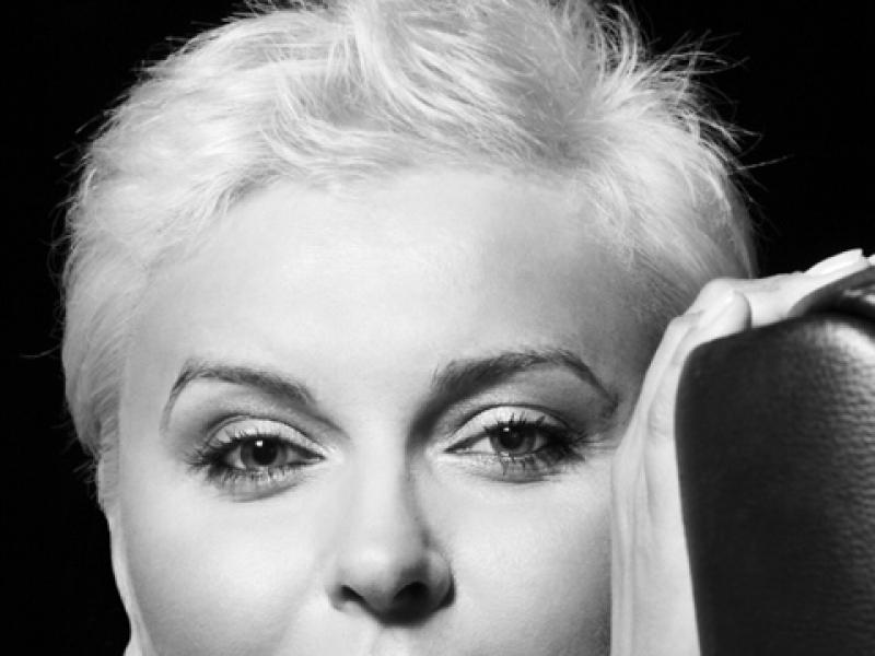 Już w najbliższą sobotę, 29 maja, hiszpańska marka Mango zaprasza na bezpłatne warsztaty mody i stylu, MANGO STYLE STUDIO, z udziałem znanej polskiej stylistki Ani Męczyńskiej. Akcja odbędzie się w salonie marki w łódzkiej Manufakturze. Na zdj.: stylistka Anna Męczyńska