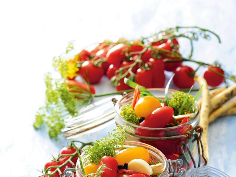 Marynowane pomidorki koktajlowe
