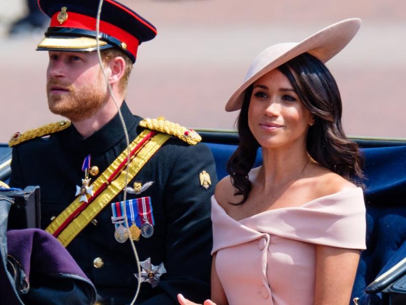 """Meghan Markle źle się czuje w royal family? """"Widać było sztuczny uśmiech"""""""
