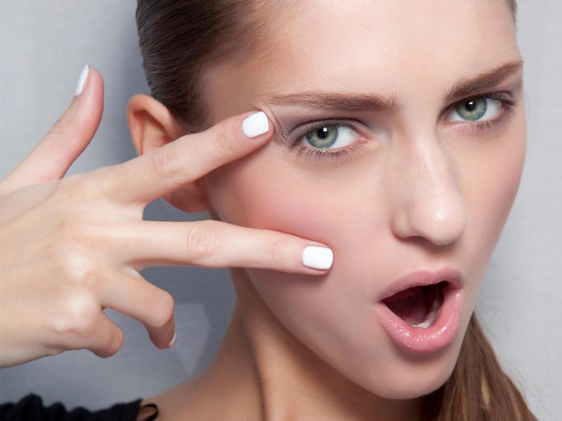 Milk bath nails