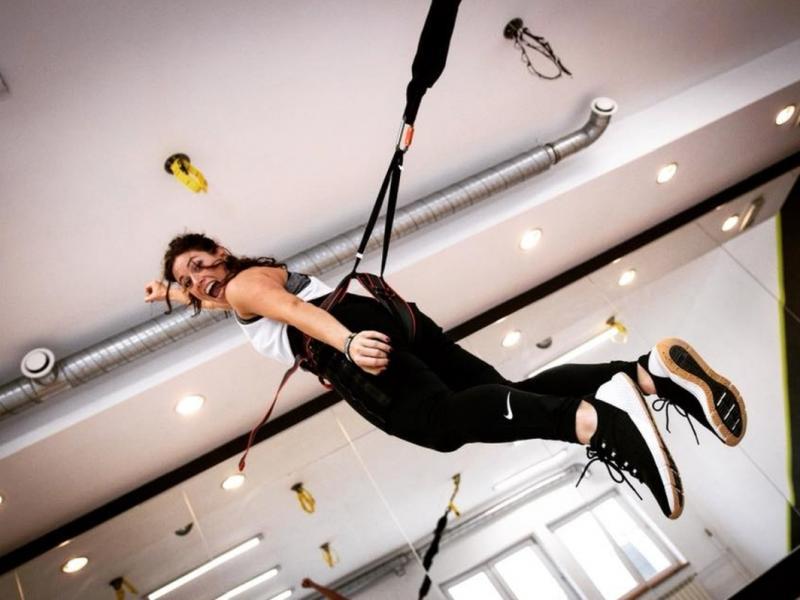 Agnieszka Szaniawska w trakcie zajęć bungee fitness