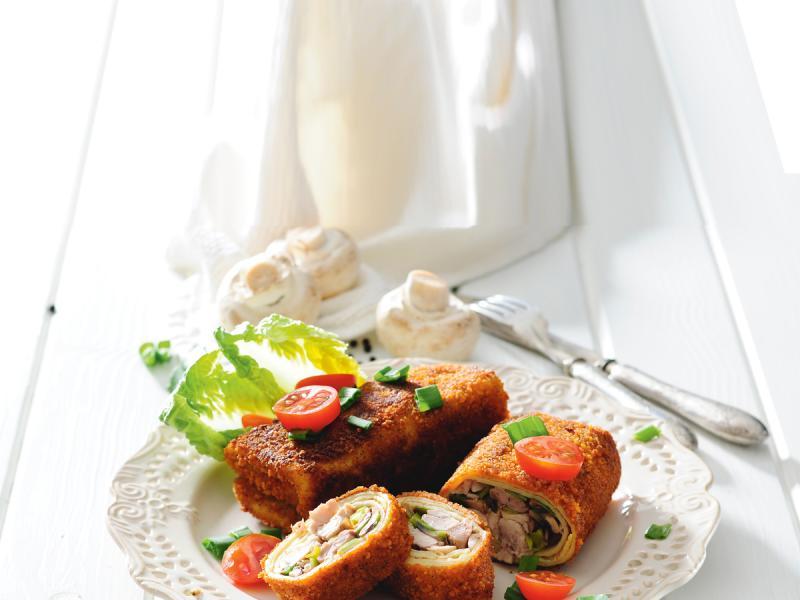 Naleśniki z mięsem i pieczarkami
