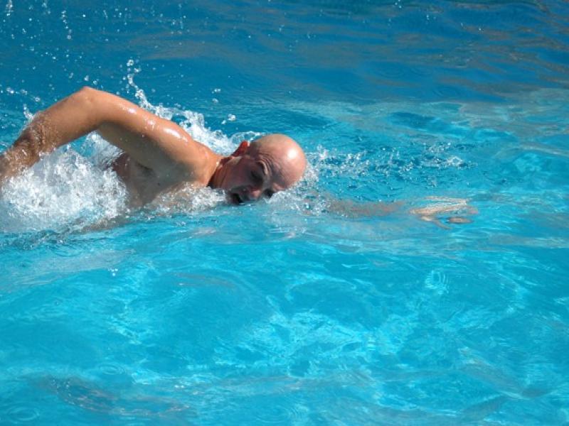 Pływanie kraulem.