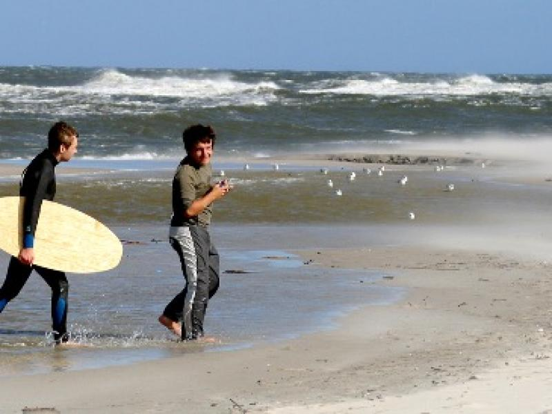 Nauka windsurfingu – gdzie się uczyć i z jakim instruktorem?