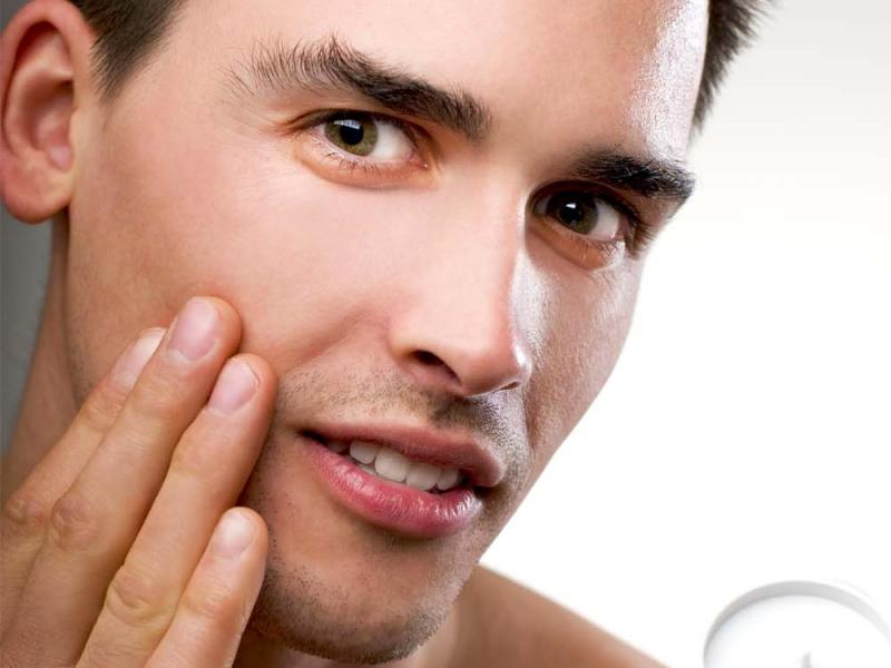 Nawilżanie męskiej skóry