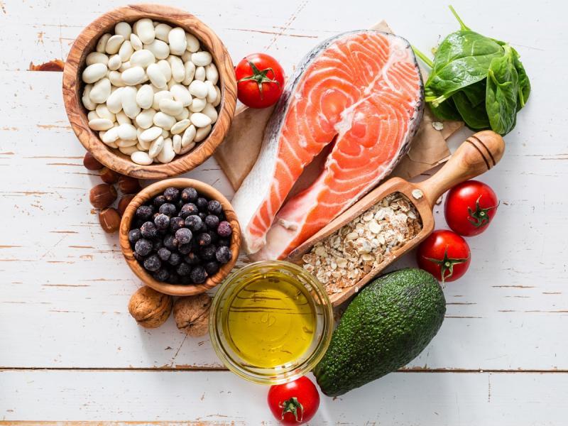 Nie trzeba łykać suplementów z apteki, żeby uzupełnić niedobór witamin. Wystarczy zmienić dietę. Jak?