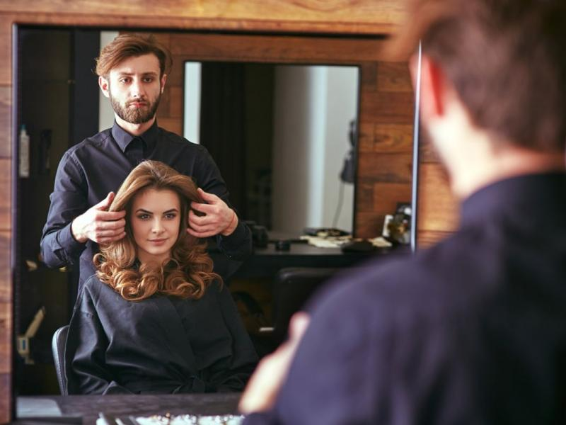 Niezwykłe zabiegi dla włosów – na które warto się zdecydować?