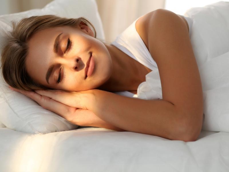 Odpowiednia ilość snu jest konieczna, by schudnąć bez diety