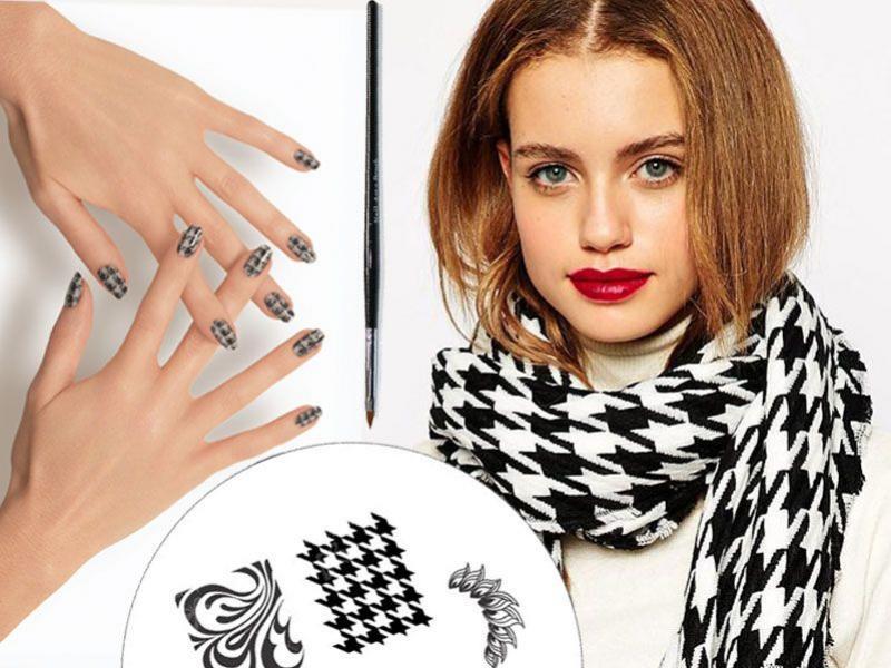 Pepitka na paznokciach – modny wzór na jesień