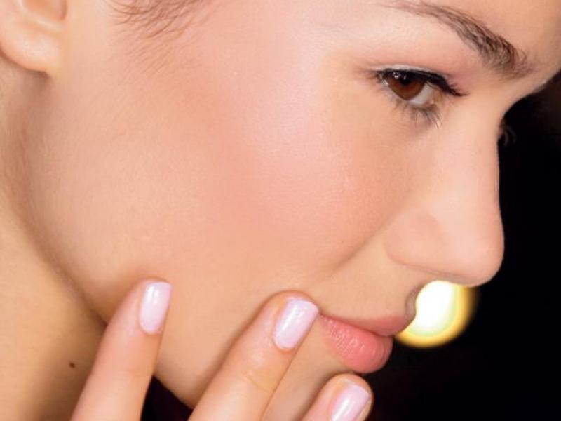 kobieta, modelka, makijaż, fryzury, paznokcie, manikiur