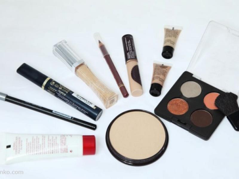 Podstawowa zawartość kosmetyczki