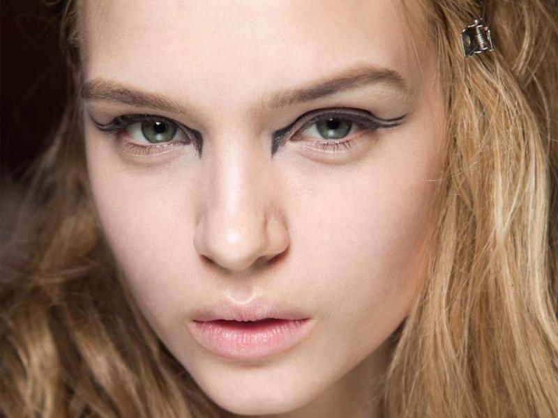 Podwójna ciągła, czyli eyeliner nieco inaczej