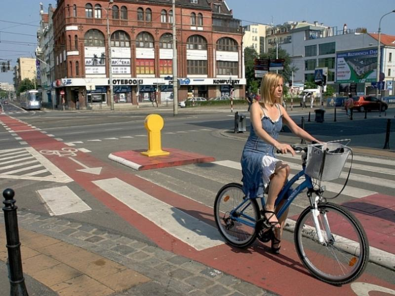 W Polsce wciąż brakuje ścieżek rowerowych/fot. Fotolia