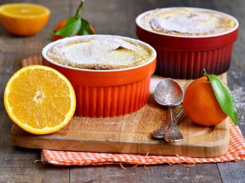Pomarańczowy suflet z kaszy kukurydzianej