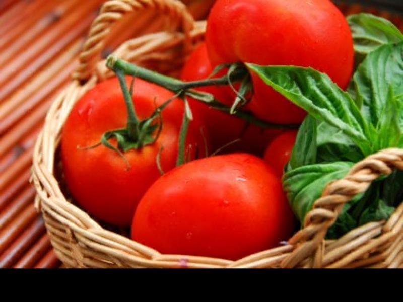 Pomidorowa sałatka warstwowa